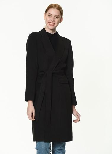 Dewberry Polyesterli Belden Bağlamalı Cepli Kadın Palto Siyah